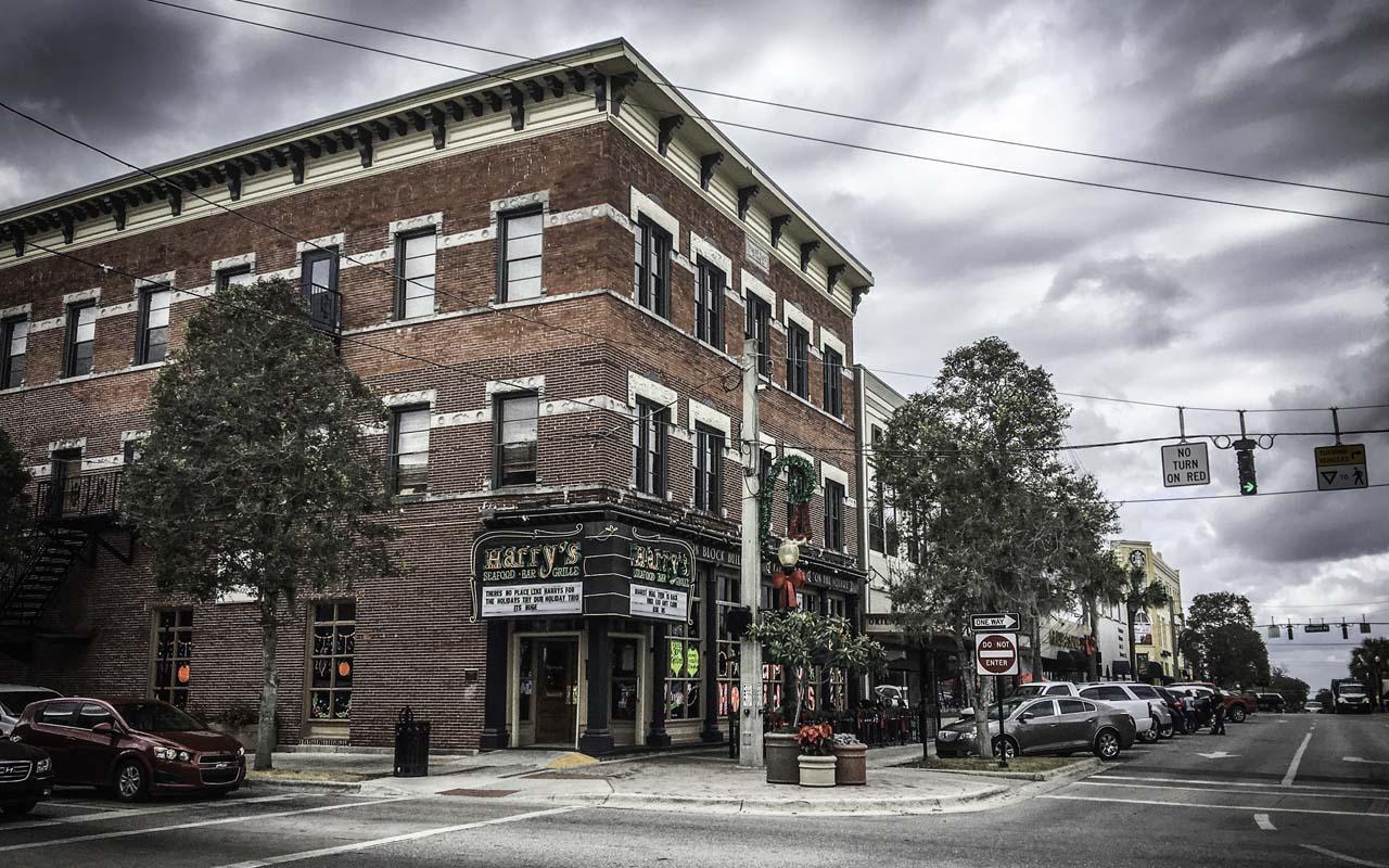 Ocala Business Spotlight: Harry\'s Seafood Bar & Grille - Ocala Online